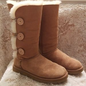 UGGs triple Bailey button wore 3 times